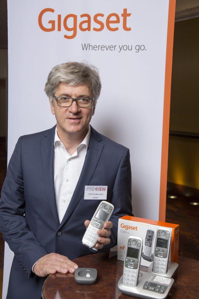Ulrich Schmalhofer präsentiert das Gigaset E560HX auf der PREVIEW in Hamburg