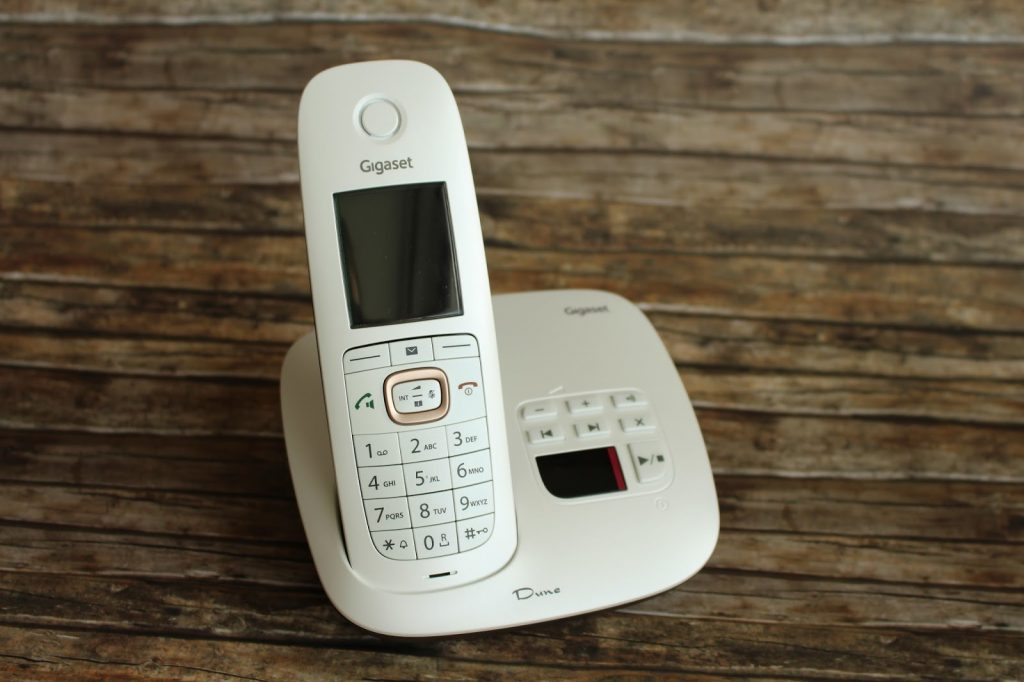 Das Gigaset Dune in der Variante mit Anrufbeantworter. Bilder von AK Checkpoint