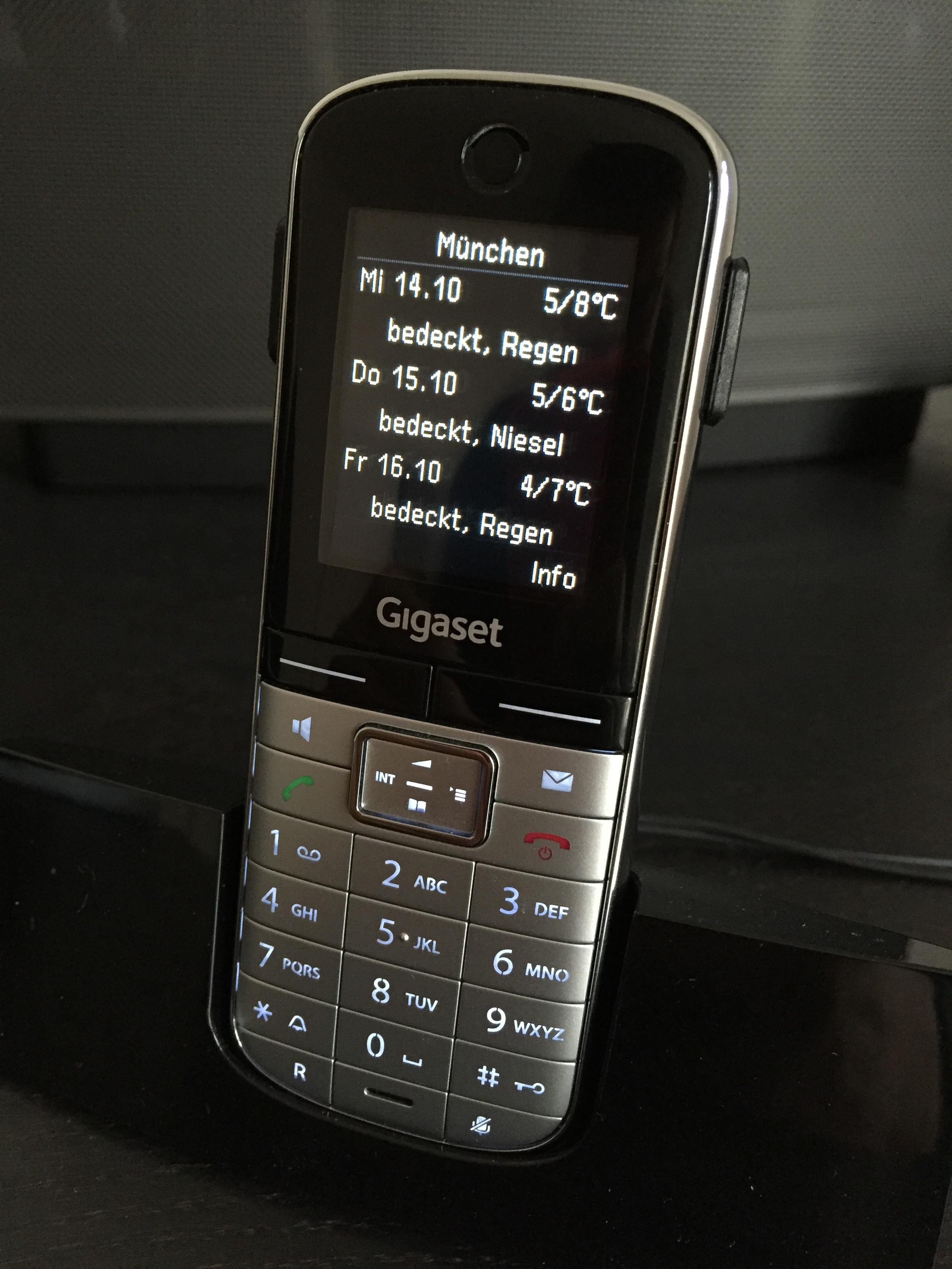 Auf dem Display des Gigaset S400A GO ist der Wetterbericht klar und einfach zu sehen