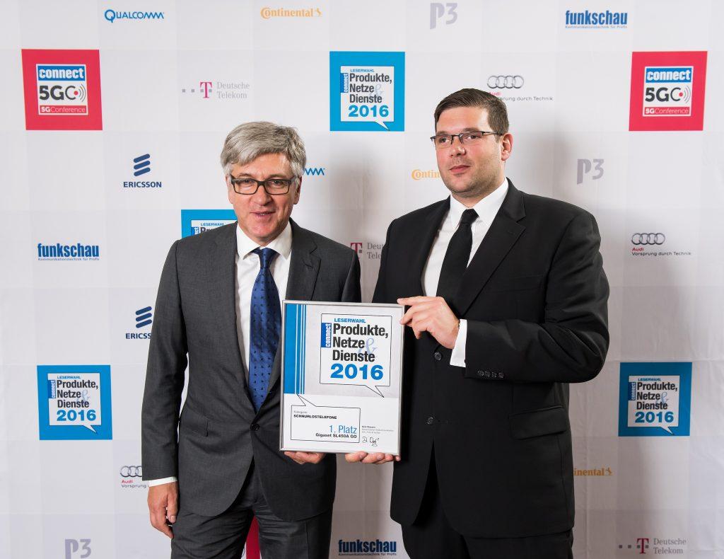Ulrich Schmalhofer und Raphael Dörr nahmen den Preis entgegen